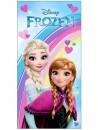 Osuška s obrázkom princezien Anny a Elsy z krásnej rozprávky Ľadové kráľovstvo - Frozen je vyrobená zo 100% bavlny. Je dobre savá a príjemná na dotyk. Je vhodná ako pre domáce použitie tak k vodným radovánkam pri bazéne či na pláži.